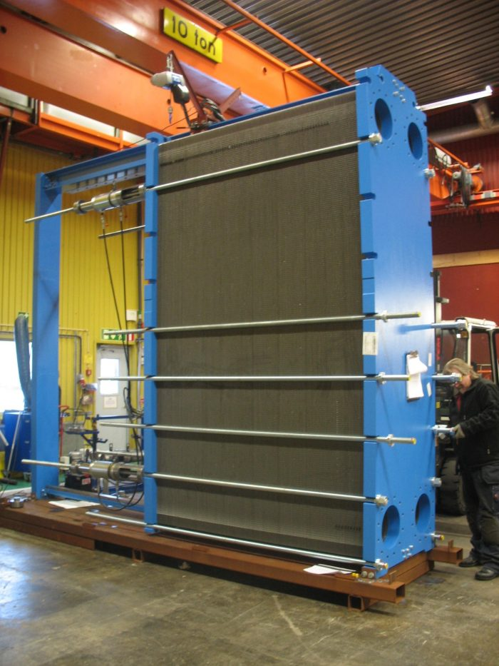 A heat exchanger with the largest heat transfer area ever installed in Israel.